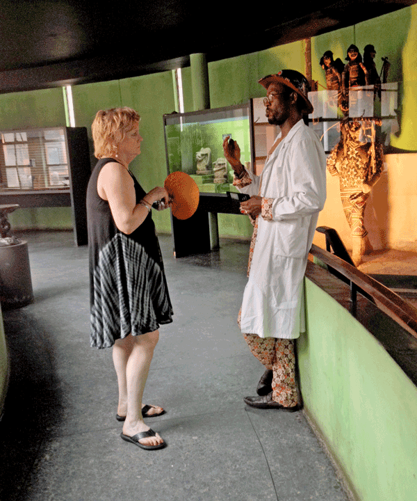 Amy Staples and Ikhuehi Omonkhua discussing the project. Photo by Paula Millet